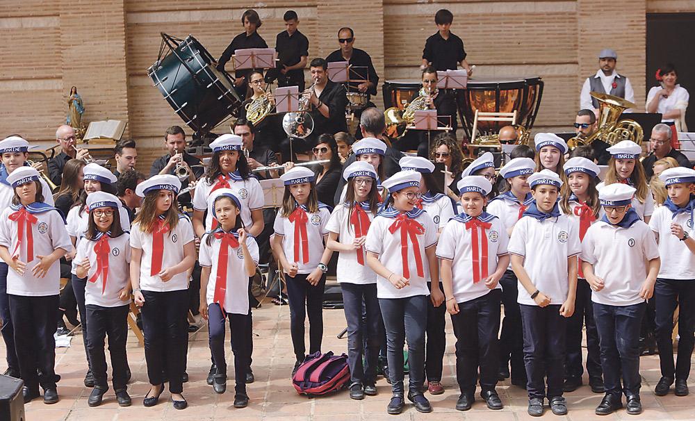 Alumnos y profesores de colegios  diocesanos 'se atreven' ya con zarzuelas Durante su VI Encuentro Musical, en el auditorio de Bunyol