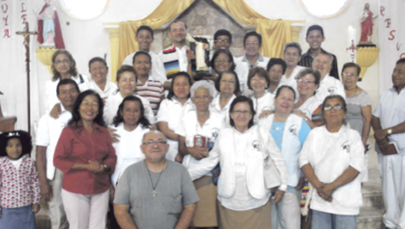 Indígenas veneran a san Vicente Ferrer con  procesiones en la selva amazónica y en los Andes La prensa en Ecuador recoge milagros atribuidos a la intercesión del santo valenciano