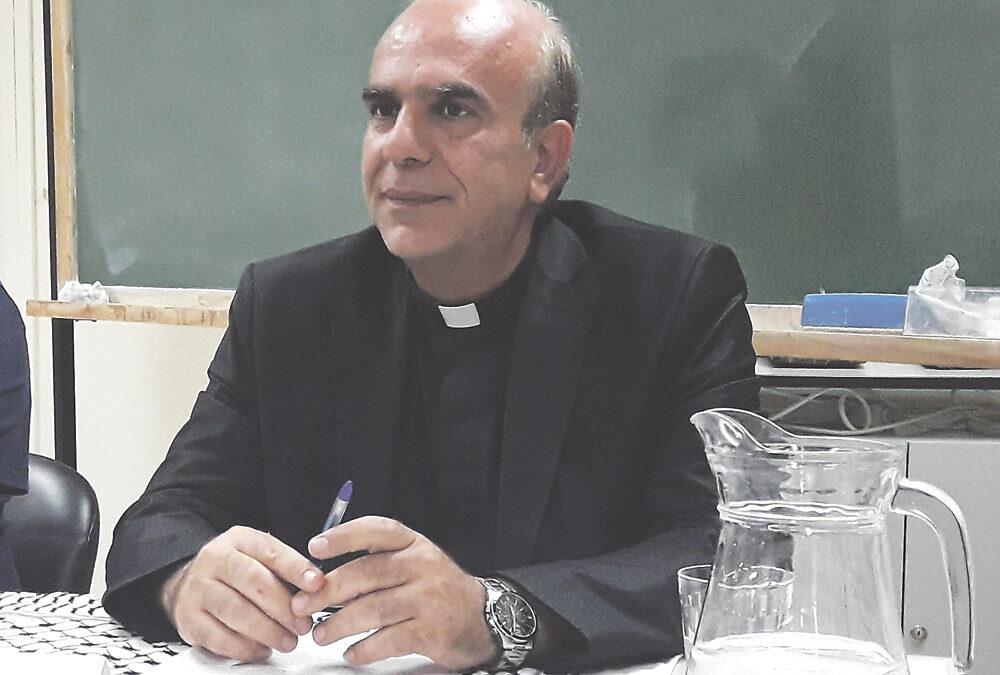 """""""La Iglesia en un contexto de venganza y de odio predica la paz y los valores del Evangelio"""" Entrevista a Jamal Khader, sacerdote palestino, que dio una conferencia en Valencia"""