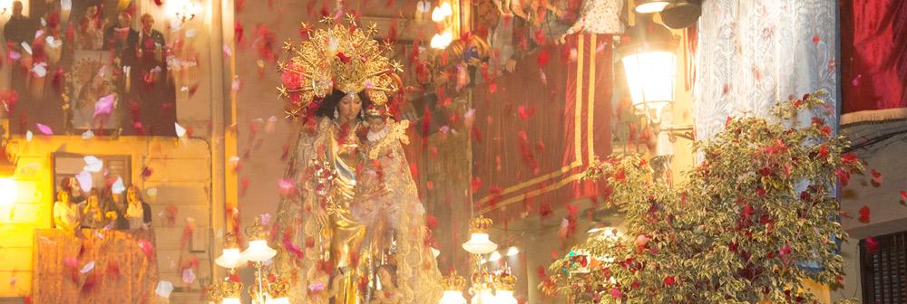 Mare de tots els valencians PARAULA ofrece el suplemento especial 'Besamanos de la Virgen'