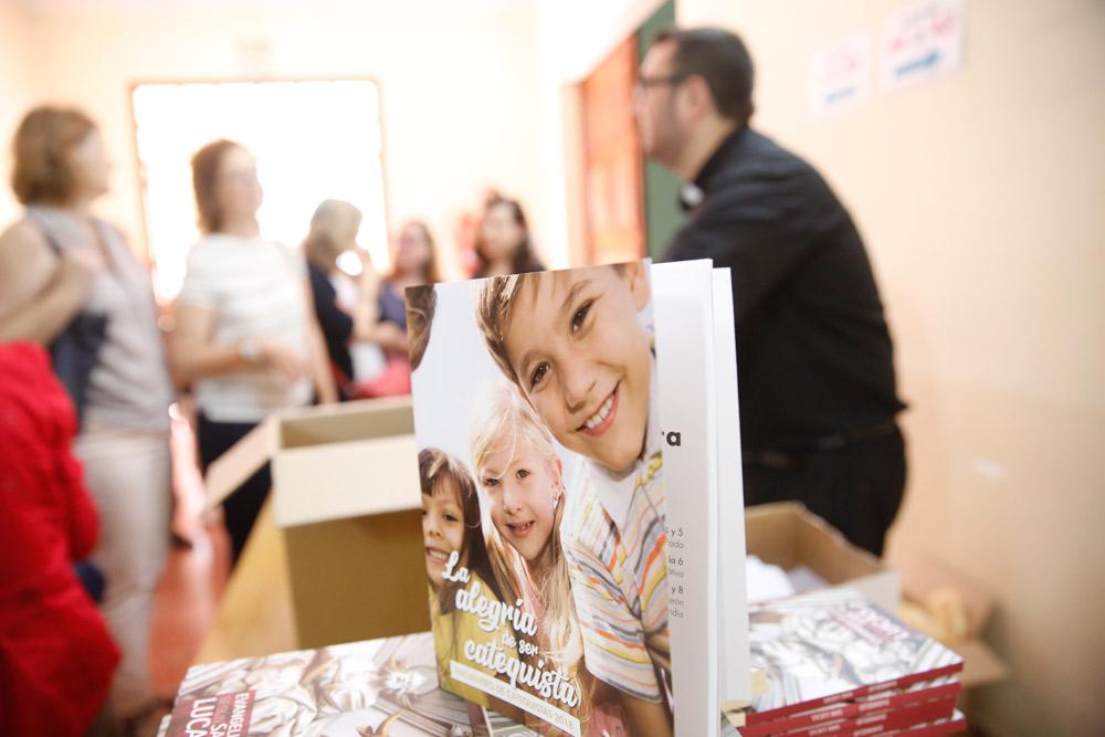 Los catequistas y su 'hoja de ruta' para los  próximos años: acercar a Jesús a niños y familias Monseñor Salinas agradece su dedicación y el tiempo que invierten en los demás