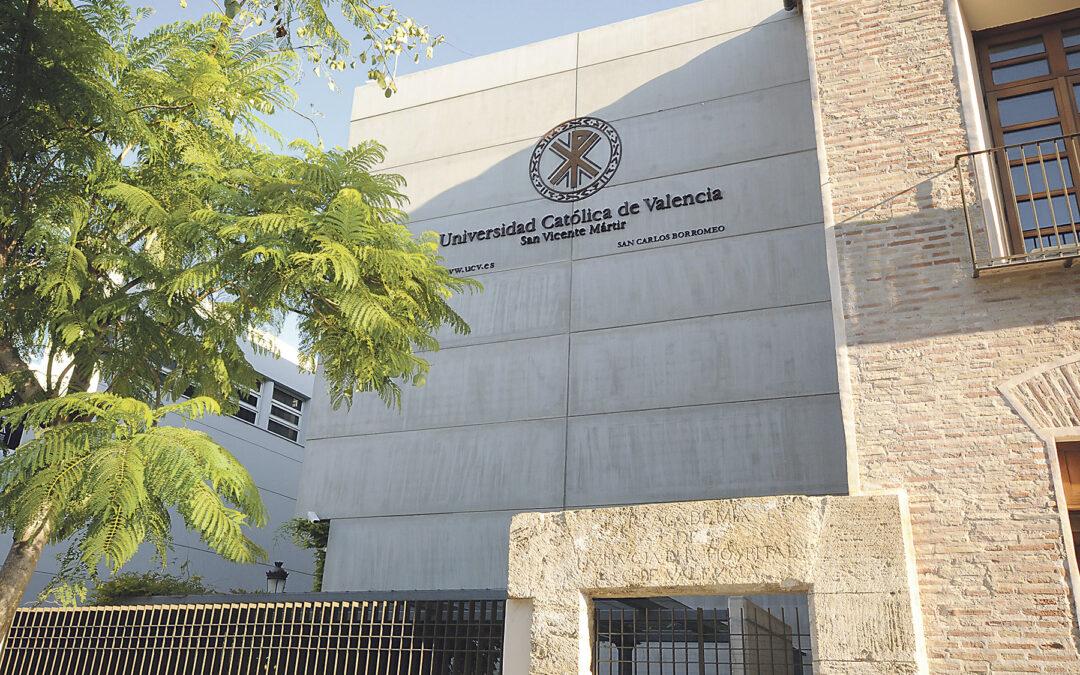 El Tribunal Constitucional avala las prácticas de los alumnos en la sanidad pública Rectifica la disposición de Carmen Montón que modificó la ley de Salud para dejar fuera de las prácticas en hospitales públicos a los estudiantes de los centros privados