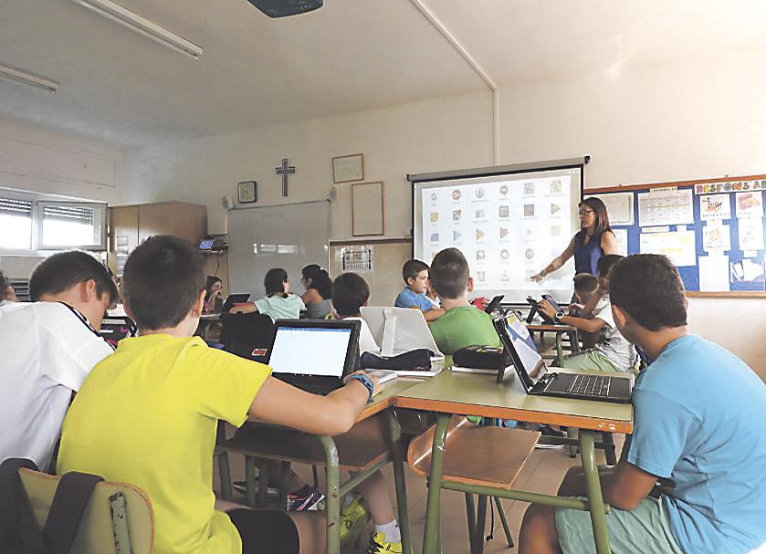 """Los obispos recuerdan el """"derecho inalienable"""" de los padres a elegir la educación de sus hijos Escuelas Católicas y FCAPA advierten del """"ataque directo"""" a la enseñanza concertada"""