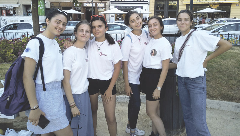 De misión por Valencia Jóvenes de Regnum Christi conocen diferentes entidades de ayuda social