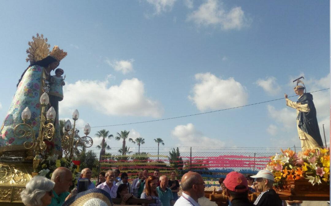 La imagen de san Vicente Ferrer recibe a la de la Mare de Déu en su histórica visita a Elche Aclamada en su primera estancia en la ciudad, Mons. Murgui ofició dos misas en su honor