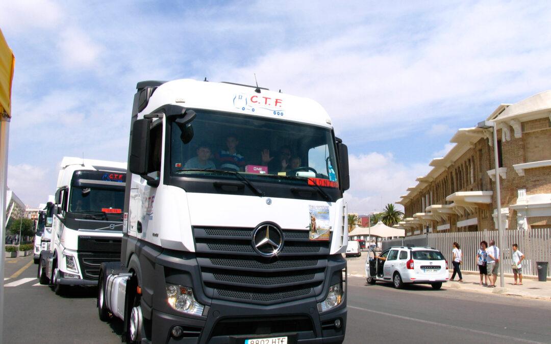 """""""Gracias por cuidar de papá"""" Los conductores valencianos celebran a su patrón, san Cristóbal"""