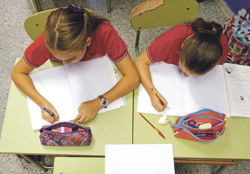 """La LOMLOE, hacia una escuela """"única, pública y laica"""" y sin libertad de los padres  Clamor en la Comunitat Valenciana: Escuelas Católicas, FCAPA y la Mesa por la Educación denuncian que la ley coarta la libertad de elección de las familias"""