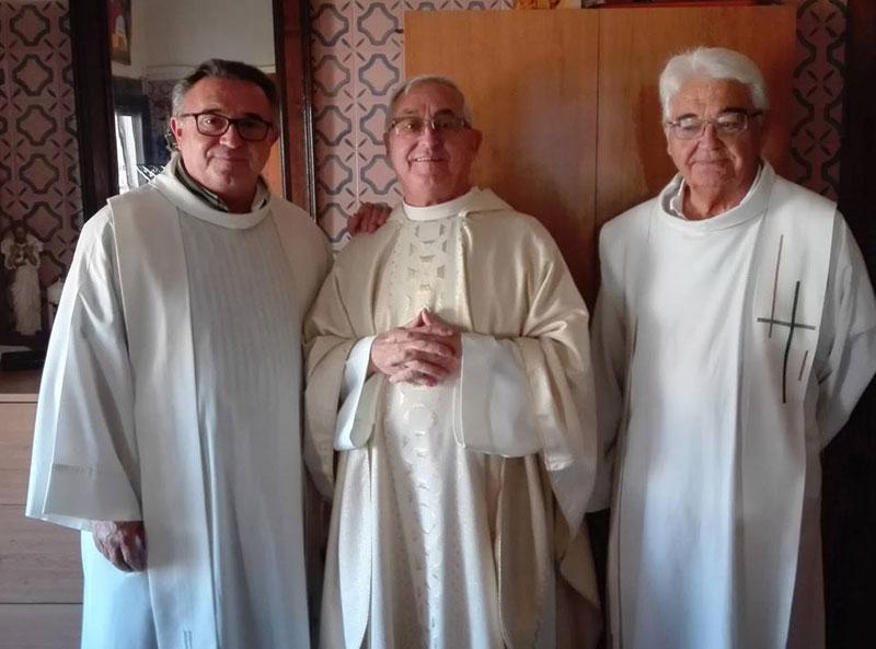 Bodas de oro del párroco de Santa Marta de Puzol Multitud de personas acompañaron a Vicente Gozálvez