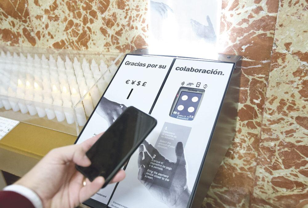 Una nueva forma de entregar donativos más moderna y más transparente La Basílica de la Virgen instala unos nuevos terminales