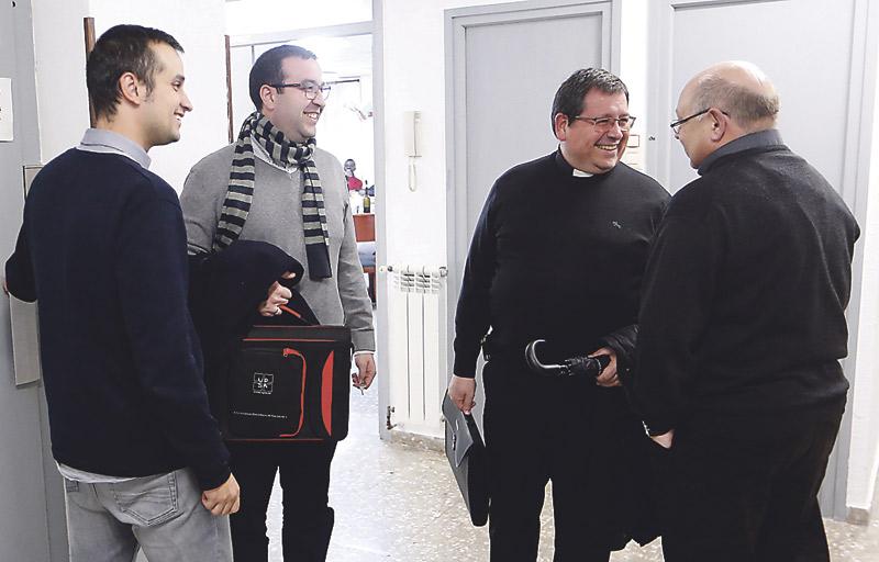 La casa de los curas extranjeros En pleno centro de Valencia conviven 23 sacerdotes de otros países que amplían  estudios y ayudan en parroquias.Es el Convictorio sacerdotal San Franciscode Borja