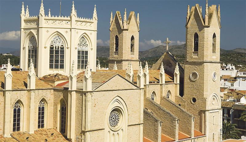 Las parroquias de la Marina Alta rezan ya por la próxima visita pastoral El Cardenal y sus obispos auxiliares la iniciarán el próximo día 1