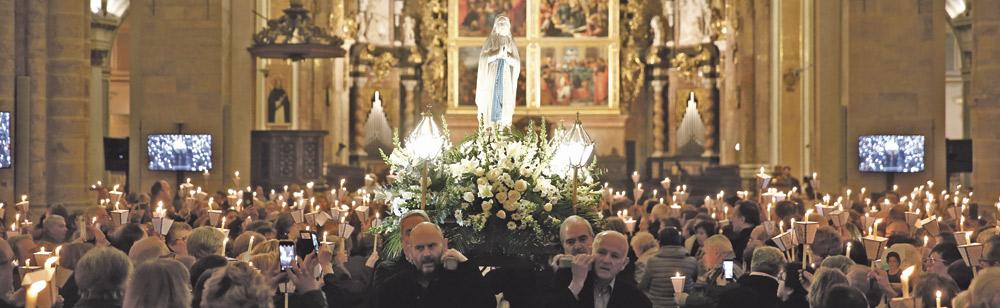 """La luz de la enfermedad ilumina la Seo  El Cardenal, en la fiesta de la Virgen de Lourdes, recuerda el """"valor altísimo"""" de los enfermos para la Iglesia"""