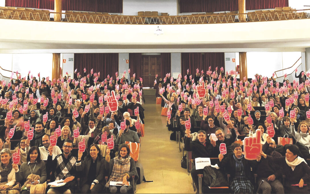 """Escuelas Católicas impulsa la renovación de la pastoral escolar con los jóvenes profesores """"En la educación integral, la que da un sentido a la vida, se juega hoy la verdadera libertad"""", asegura el Cardenal ante 400 docentes llegados de toda la Comunitat Valenciana"""