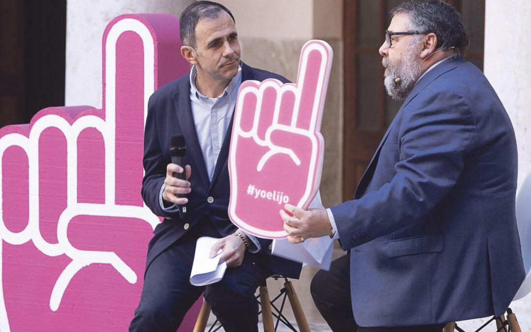 """""""La libertad de elegir colegio de los  padres no es un capricho; es un derecho"""" El portavoz de la campaña '#Yoelijo', Vicente Morro, en La Ocho"""