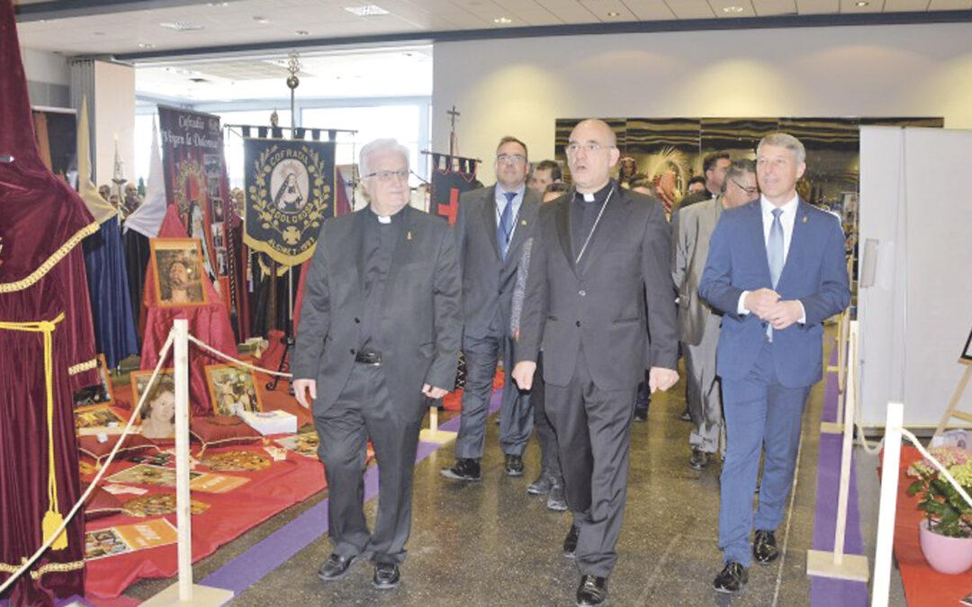 Oliva, epicentro de la Semana Santa con más de 4.000 cofrades Abre los actos del encuentro diocesano de hermandades