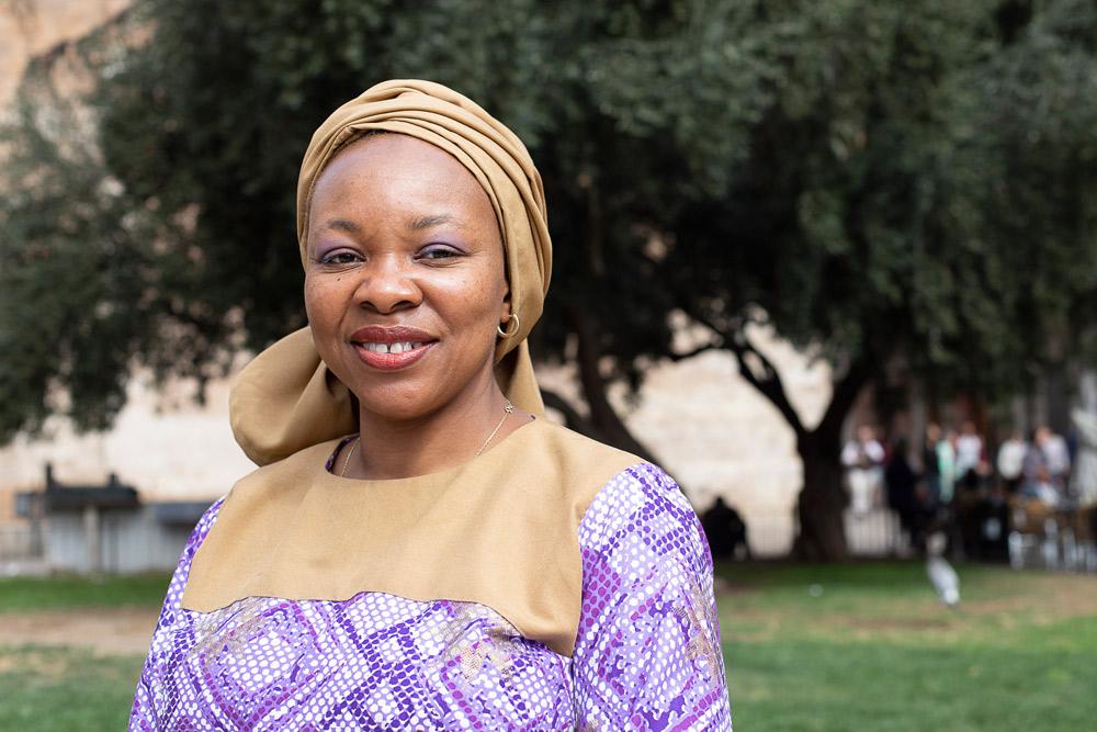 """""""Sacamos a niñas de la  marginalidad con la mejor  herramienta, la educación"""" Entrevista a la doctora Ozo Ibeziako, premio Harambee 2019 a la 'Promoción e igualdad de la mujer africana'"""