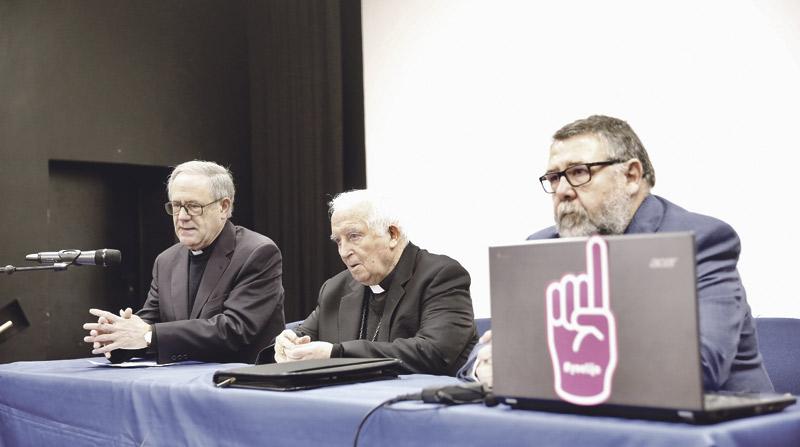 El Cardenal anima a constituir asociaciones  católicas de padres en colegios públicos Para defender la libertad educativa con ayuda de padres, profesores de Religión y párrocos