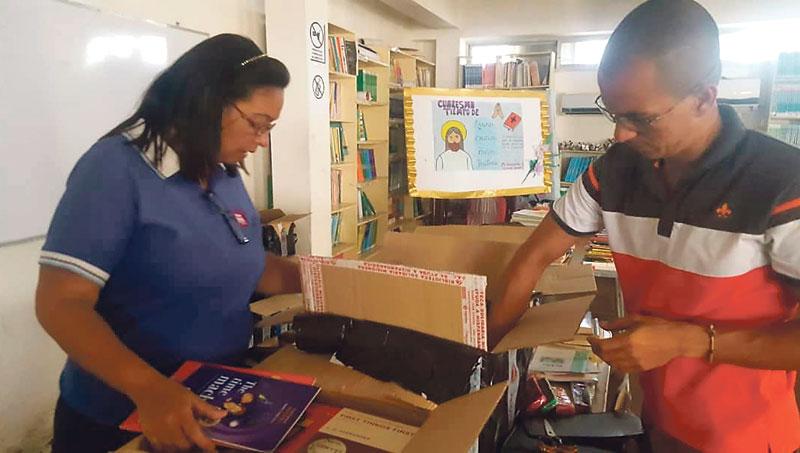 Reparten 62.000 libros donados en Valencia entre los presos de las cárceles dominicanas