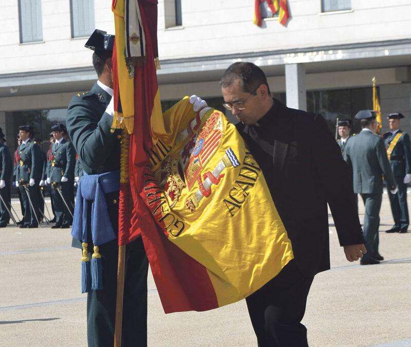 Guardia civil  (en excedencia)  y sacerdote Entrevista a Pablo Lucena, sacerdote del Opus Dei vinculado a la iglesia de San Juan del Hospital, en Valencia