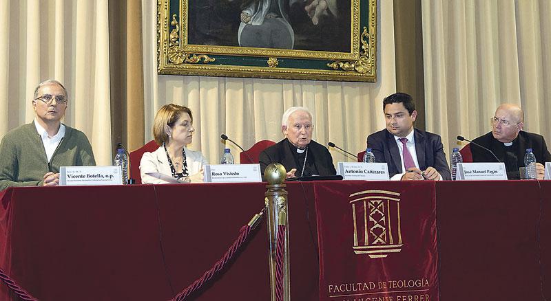 """350 representantes de la cultura """"buscadores de la verdad"""" junto con la Iglesia Organizado por la vicaría de Cultura y Relaciones Institucionales, fue presidido por el cardenal Cañizares"""