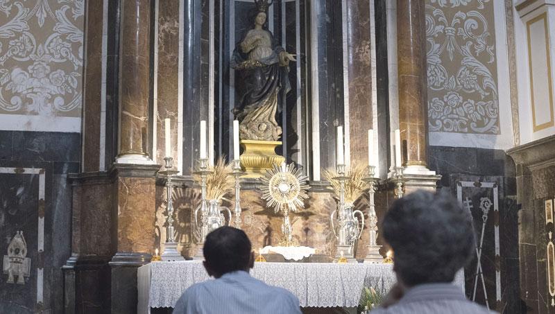 Las seis capillas de adoración perpetua,  lugares para ponerse a los pies del Señor