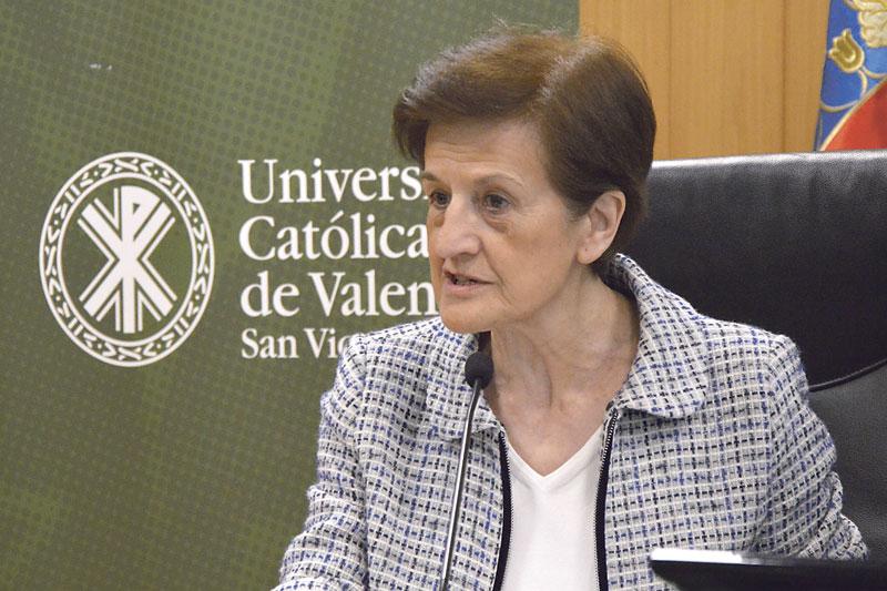 """Adela Cortina: """"Europa tiene la obligación de hacer frente a la digitalización con ética"""" La filósofa española imparte la conferencia inaugural de la conferencia anual de EBEN en la Universidad Católica de Valencia"""
