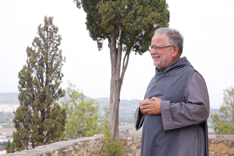 La 'predicación silenciosa' del único eremita  de la diócesis Daniel Martí, de 74 años , lleva 36 años entre la soledad enriquecedora de la vida contemplativa y el trabajo cotidiano de la vida eremítica