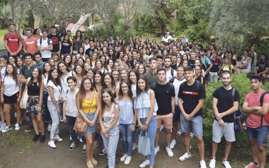 Cerca de 2.500 alumnos inician sus estudios de grado en la Universidad Católica de Valencia Se beneficiarán del Programa de Acción Tutorial, que les garantiza un seguimiento personalizado a lo largo de toda su carrera