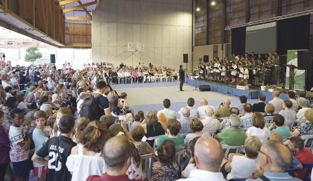 El Colegio Santa María de Ontinyent se abre al futuro con las nuevas instalaciones Monseñor Esteban Escudero bendice las obras del nuevo edificio de 2.000 m2