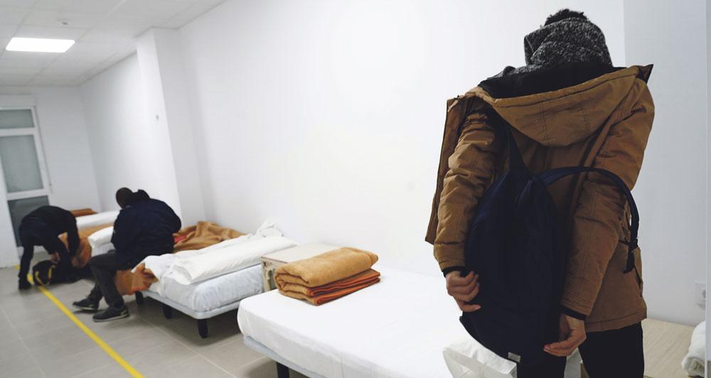 Cáritas Valencia reabre su centro para personas en situación de sin hogar durante el periodo de estado de alarma El centro se había cerrado el 8 de marzo, al finalizar el tiempo previsto de apertura