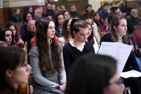 Vigilia de jóvenes en la Basílica de la Virgen del mes de marzo 2020