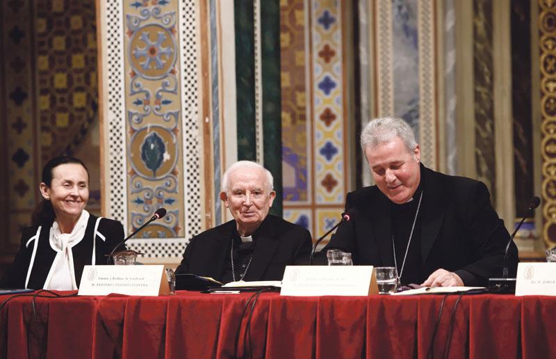"""Monseñor Mario Iceta destaca """"la necesidad del acompañamiento a las personas que sufren"""" En la apertura del Año Judicial presidido por el cardenal arzobispo de Valencia"""