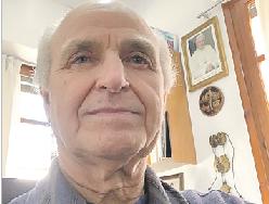 """""""¡Dios nunca te abandona!"""" Vicente Ferrando, párroco del Sagrado Corazón de Jesús, en Burjassot, acaba de salir del hospital, tras permanecer ingresado casi un mes, contagiado por el Covid-19"""
