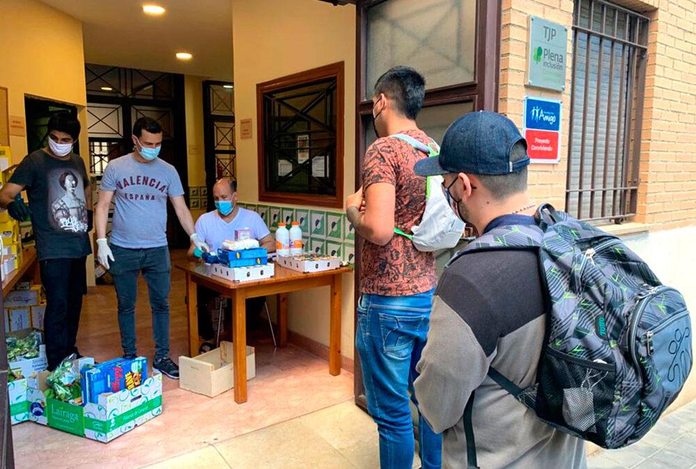 El S.O.S que surtió efecto La Cáritas parroquial de San Miguel de Soternes en Mislata pudo repartir  alimentos para 84 familias el día 15 gracias a las donaciones de productos