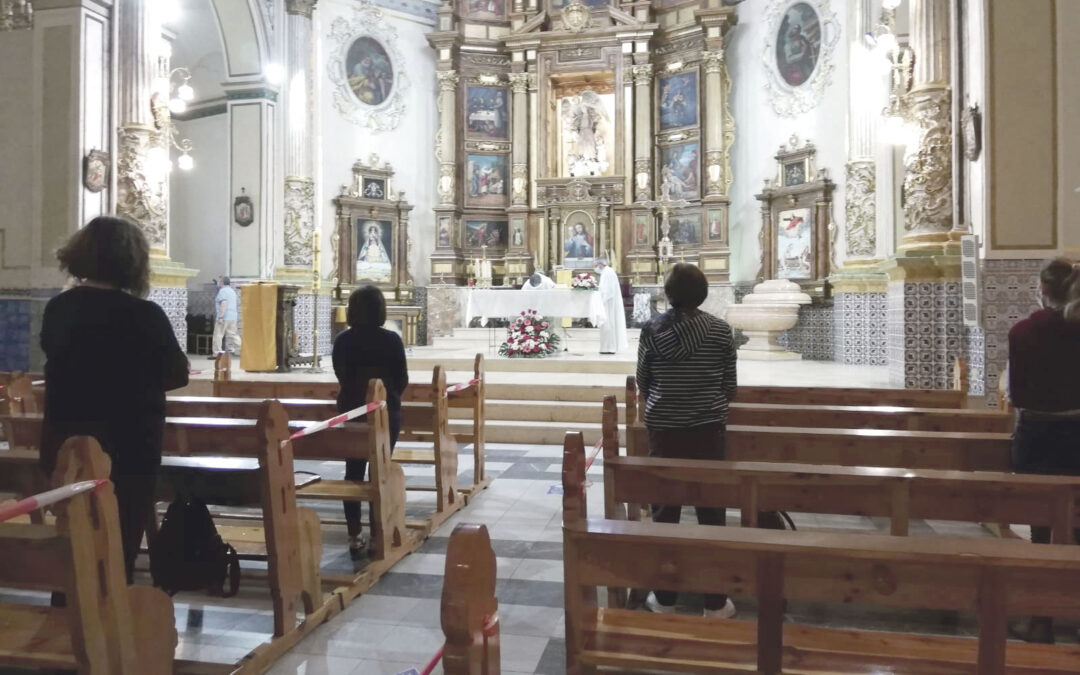 Vuelven las misas a las parroquias de los municipios que pasan a la fase I siguiendo escrupulosamente las normas de higiene y seguridad