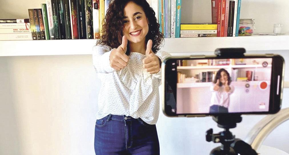 Good morning 'Miss Lucy'! Lucía Pérez, profe del Colegio Diocesano Sant Roc de Alcoi y ahora también en Clan y La2 de RTVE