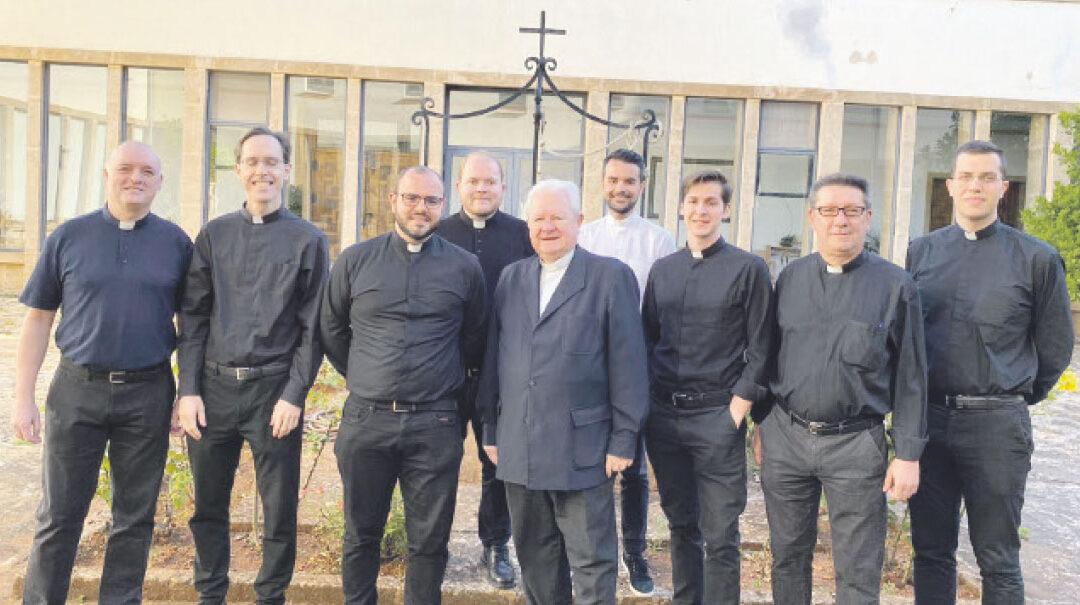 Ocho nuevos  sacerdotes para  Valencia Este fin de semana ordenaciones sacerdotales
