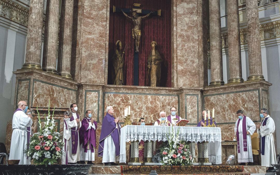 """""""Profundo dolor de toda la diócesis por los miles -y no sabemos cuántos- de fallecidos"""" El Cardenal, en la misa funeral en Valencia por las víctimas del coronavirus"""