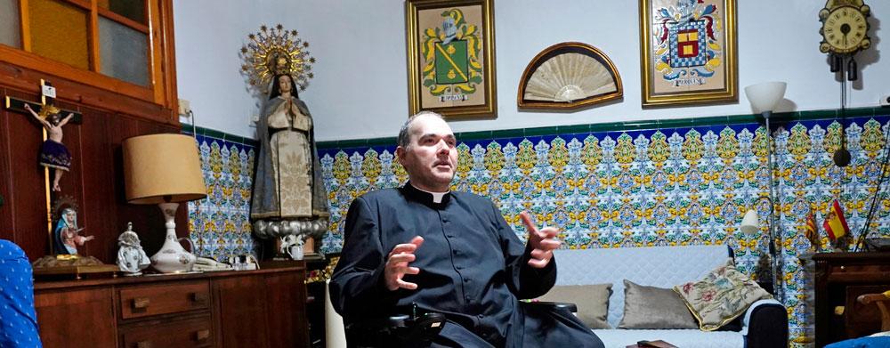"""""""Soy profundamente feliz como sacerdote enfermo. Dios todo lo ha hecho bien en mí"""" Entrevista a Juan Ricardo Company, nuevo canónigo de honor de la Catedral"""