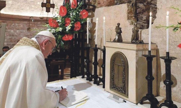 TOMA Y LEE LA RECIENTE ENCÍCLICA DEL PAPA FRANCISCO Carta del cardenal arzobispo de Valencia, Antonio Cañizares