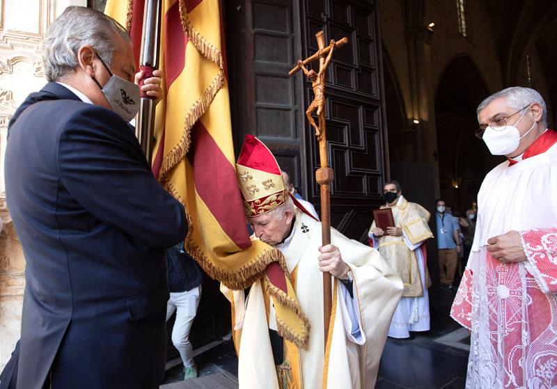 El Te Deum suma los himnos regional y nacional y refuerza su significado El Arzobispo en la misa apremia al arte de saber vivir en unidad con todos