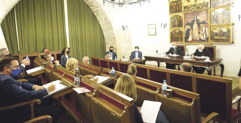 La Mesa de diálogo social concita a la Iglesia como agente en la salida a la crisis Reuniones de la Comisión Diocesana Contra el Paro y por el Empleo Digno
