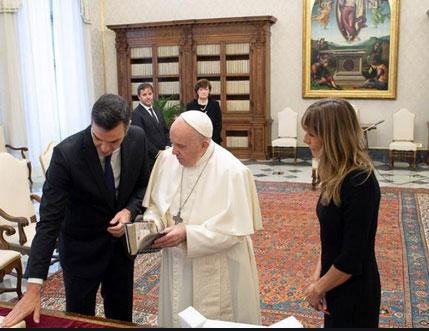 El Papa advierte a Pedro Sánchez: «Las ideologías sectarizan la patria» De forma significativa e inusual, la Santa Sede difunde íntegras las palabras del Papa al presidente