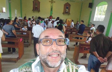 Puente misionero con Nicaragua para levantar una iglesia «ladrillo a ladrillo Feligreses de Anna ayudan a un sacerdote valenciano a 8.000 kms. que les ha visitado «