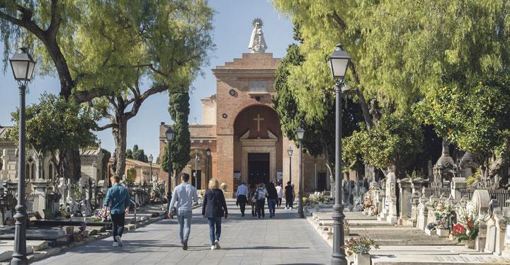 Cementerios sin multitudes y con las víctimas de la covid en el corazón Carta del cardenal arzobispo de Valencia, Antonio Cañizares