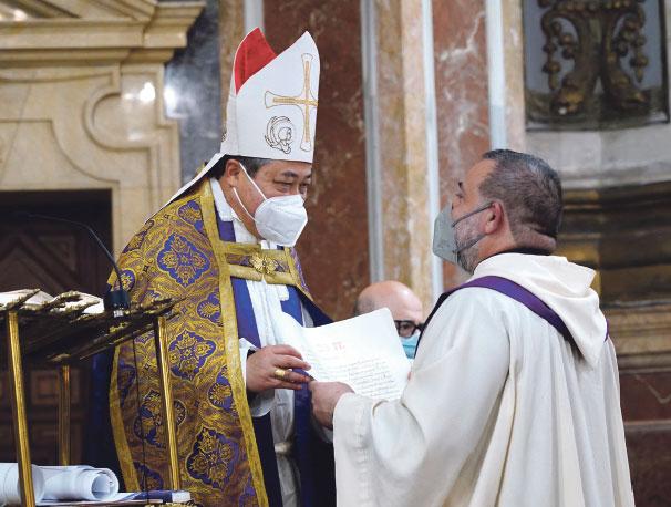El nuncio del Papa en España visita Valencia Entrega la bula que declara 'basílica menor' a la iglesia del Sagrado Corazón