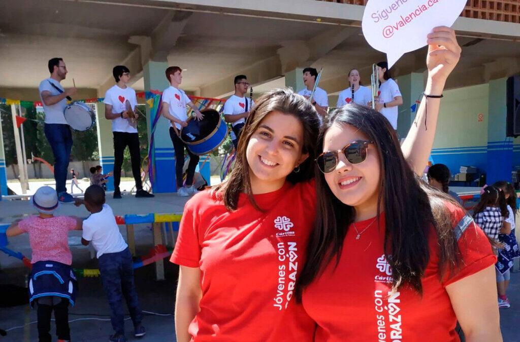 La covid-19 no frena el voluntariado en Cáritas Valencia: cada día hay más Mil peticiones en un año; más de 300 en el confinamiento y la mayoría, de jóvenes