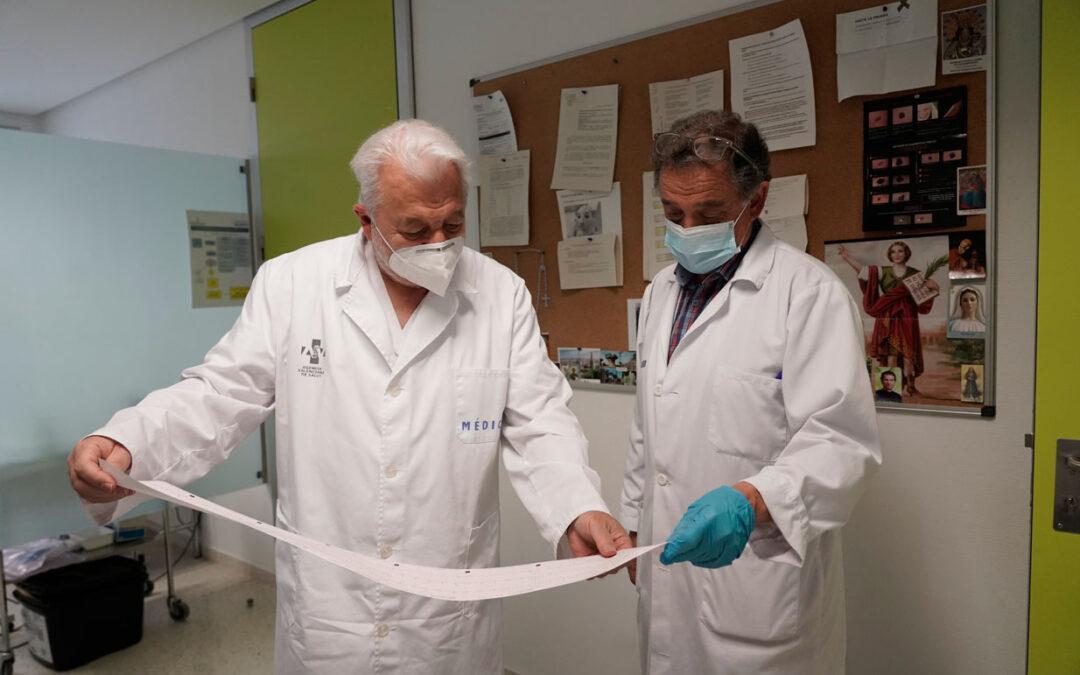 Contra el virus y con fe Sanitarios católicos, a brazo partido en la pandemia