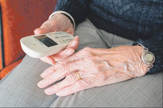 Feligreses organizan el acompañamiento telefónico individual a enfermos y mayores Ante las restricciones para visitarles en sus casas por el riesgo de contagio