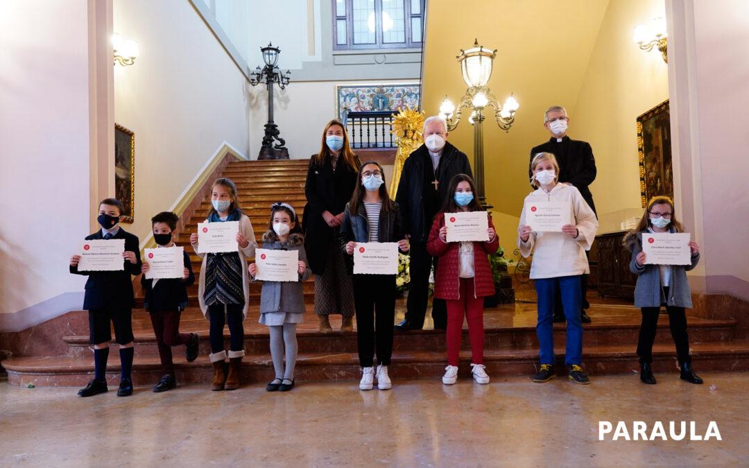 Los más pequeños artistas de la vida Dentro de los actos de la 'Semana por la Vida' 'Torrent Sí a la Vida' entrega los premios de su concurso de dibujo y la Seo acoge la bendición de embarazadas y padres
